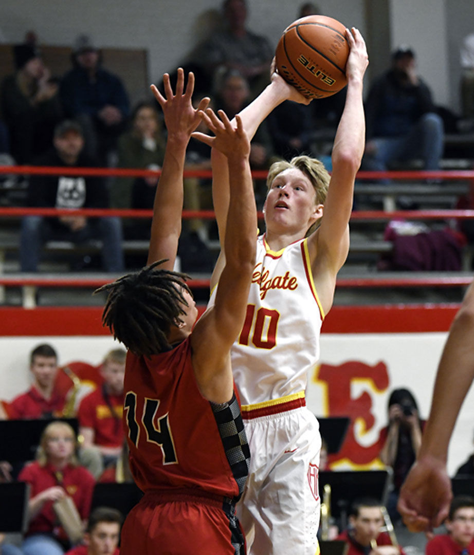hellgate vs bozeman boys basketball 02.JPG