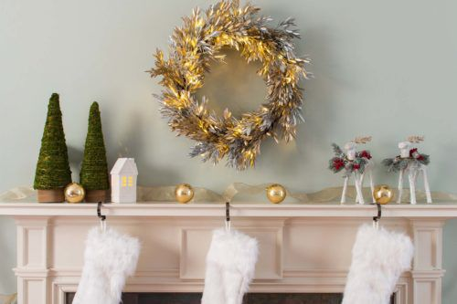 the easiest and best way to decorate your mantel for christmas - Decorating Your Mantel For Christmas