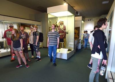 Students tour Little Bighorn Battlefield