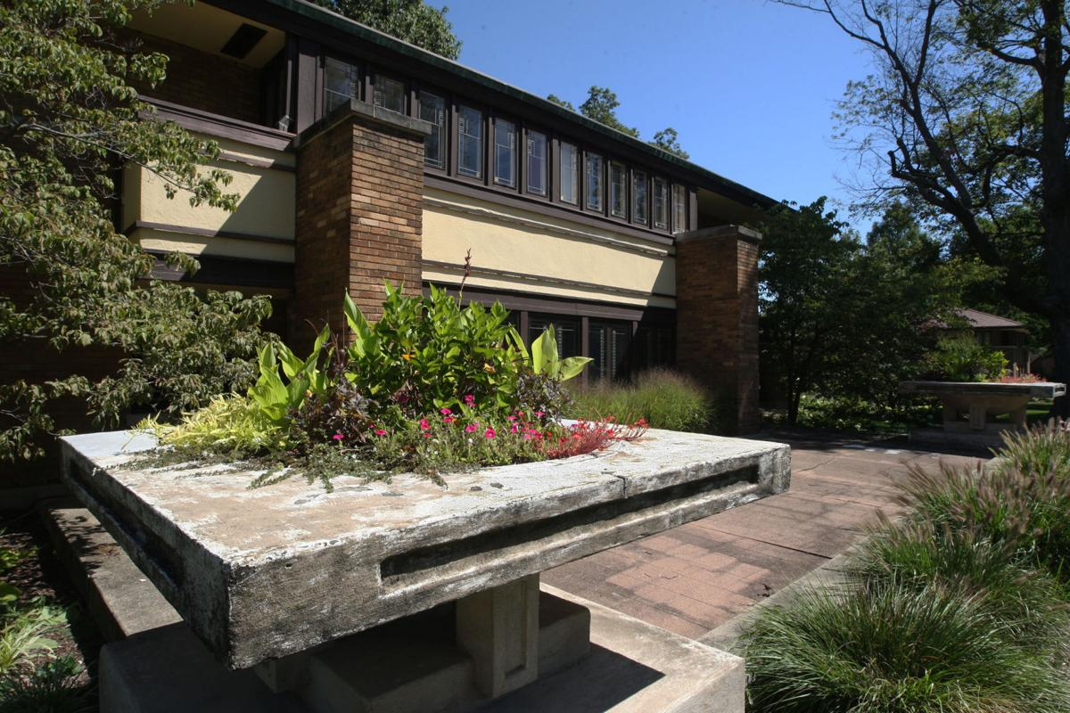 725 000 decatur home designed by frank lloyd wright goes on the
