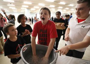 PHOTOS: LSA High School students teach younger classes at 10th Annual Titanic Museum event