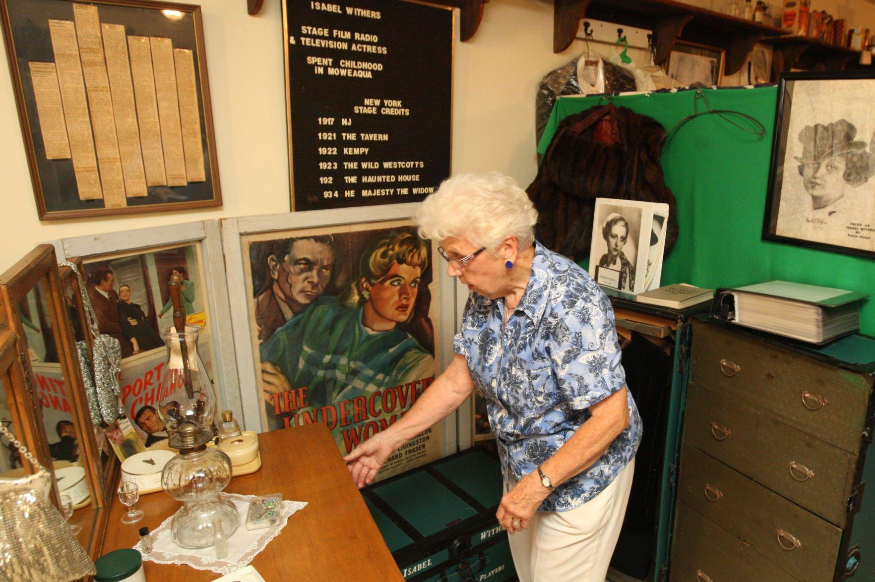Jena Engstrom born June 30, 1942 (age 76) foto