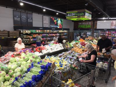 Aldi celebrates reopening of remodeled Decatur store | Local