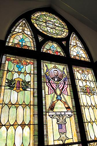 Lincoln stained glass window reflects church's ties to The Grand Army of the Republic, Union cause