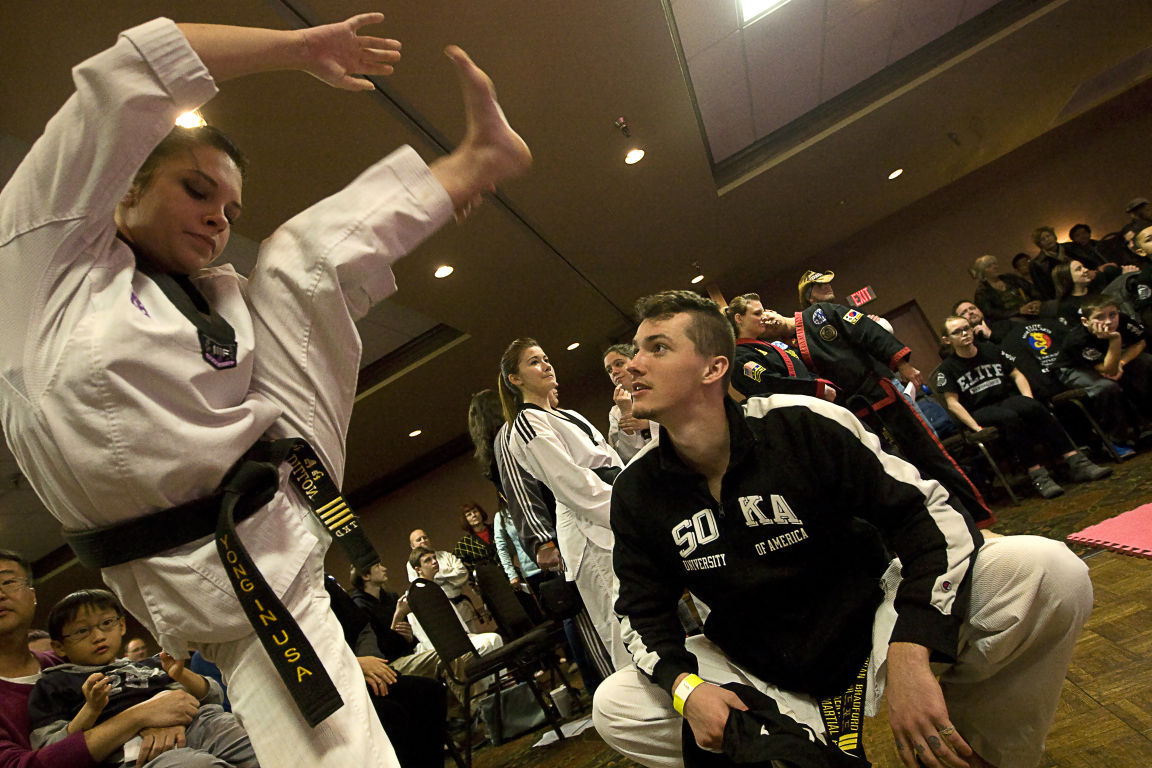 Hundreds kick it at Midwest taewkondo competition