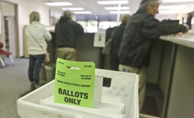 Voting_Early 2 10.11.18.JPG (copy)