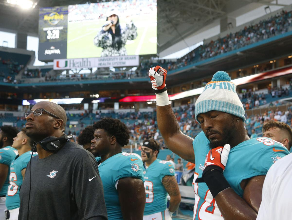 Buccaneers Dolphins Football
