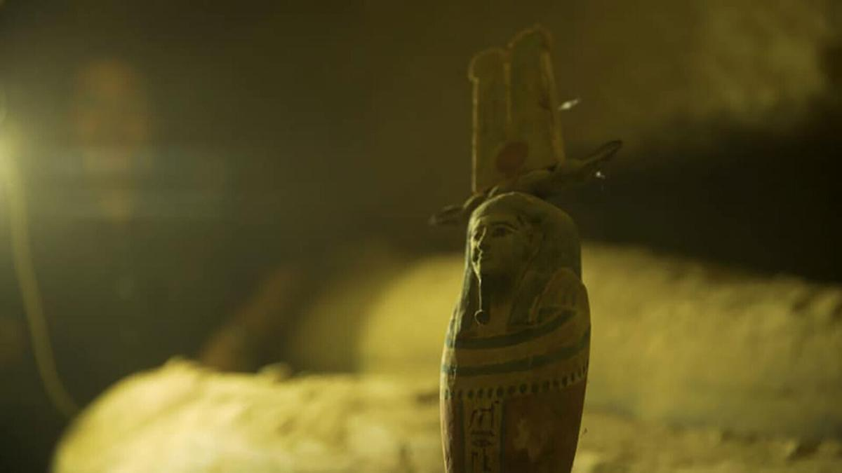 13 mysterious mummies discovered in Egyptian well