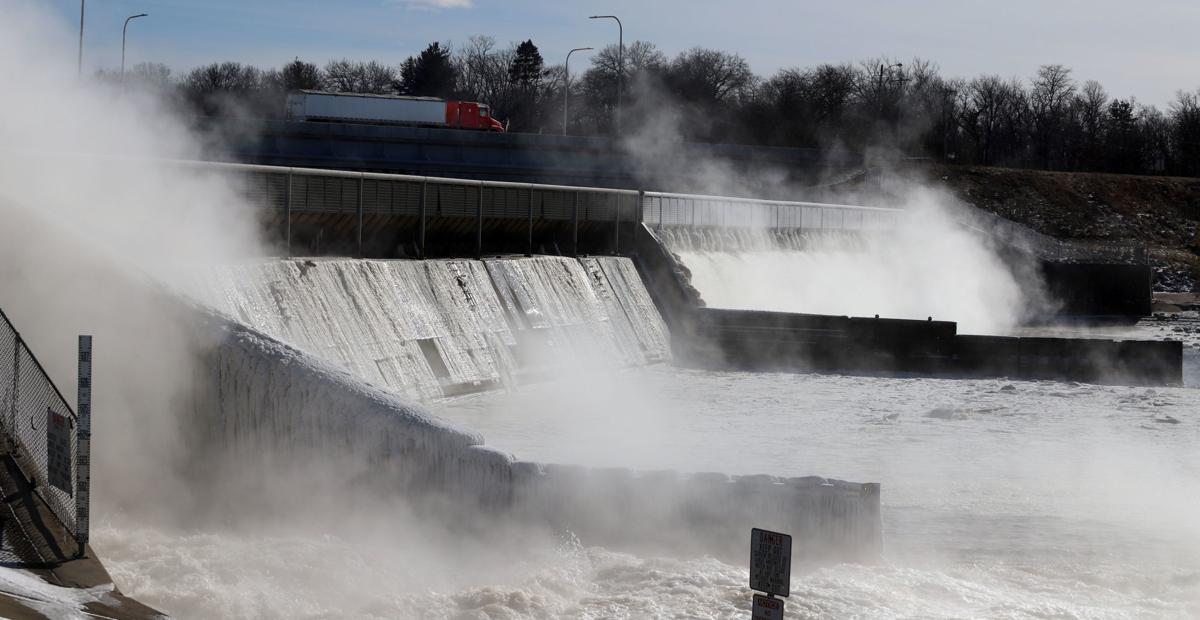 Lake Decatur Dam 1.30.19.jpg