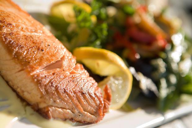 030614-dec-lif-salmon