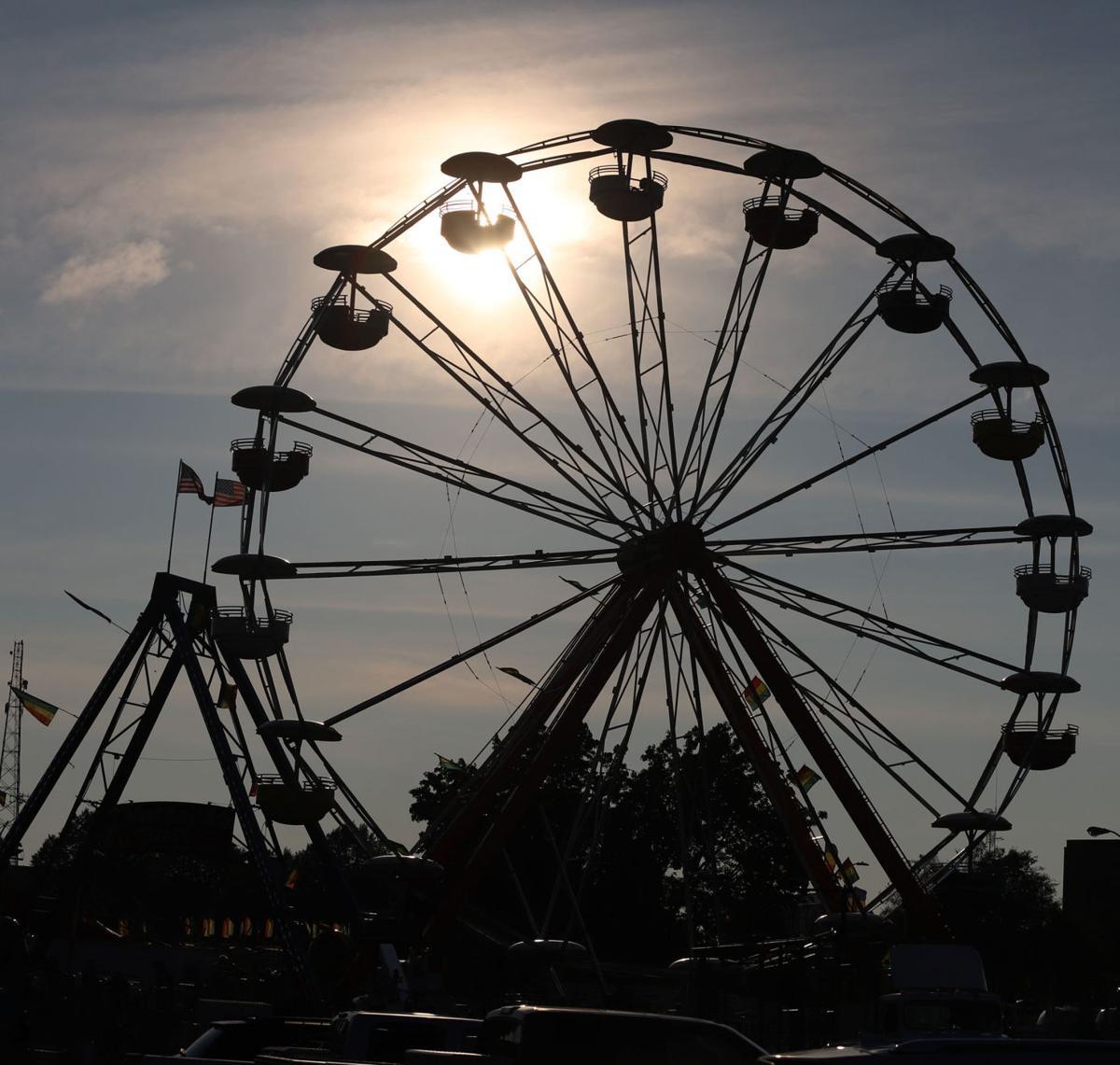 Celebration Ferris wheel silhouette 8.4.18.jpg