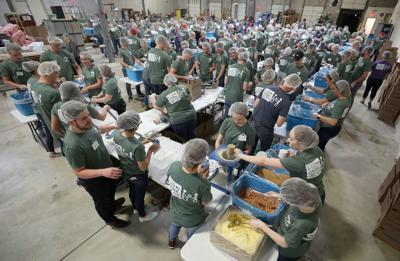 ADM interns, volunteers pack 55,000 meals for Feed My Starving Children