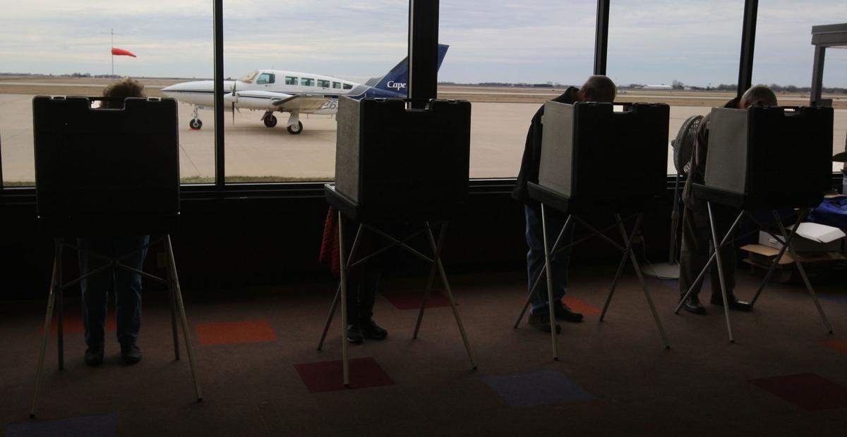 Decatur Airport voting 3.20.18.jpg (copy)