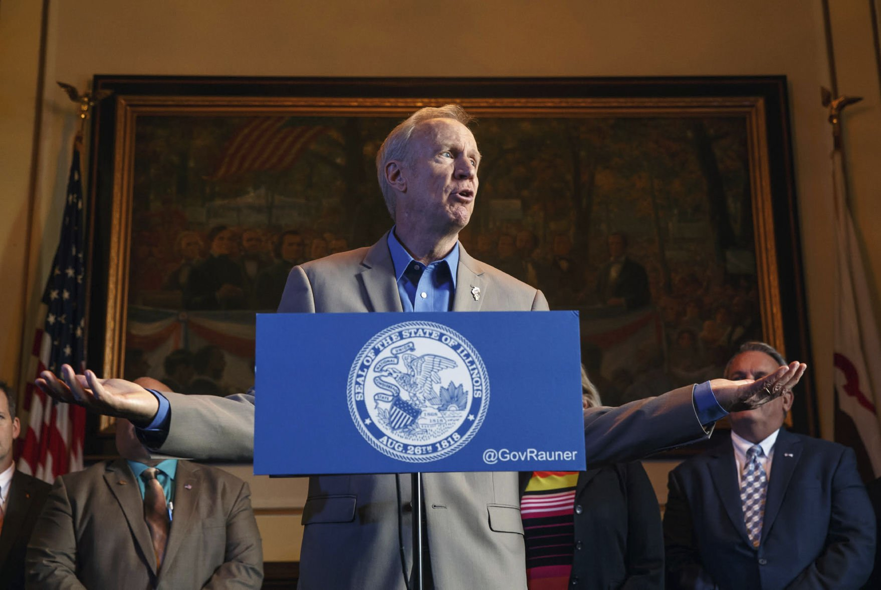 Rauner urges lawmakers to let his school-funding veto stand