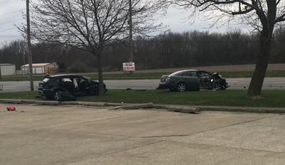 3 seriously injured in 2-vehicle crash on Mound Road in Decatur