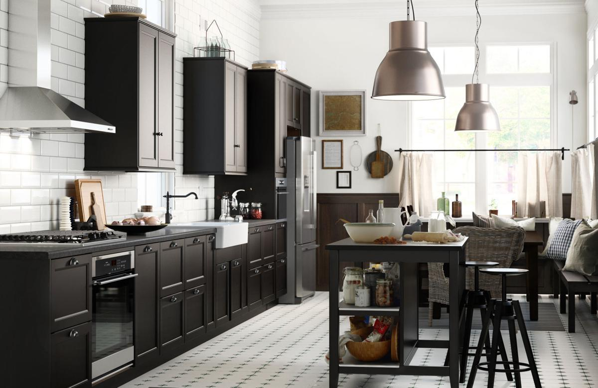 Basic Black Trend In Kitchen Décor Serves Up Style