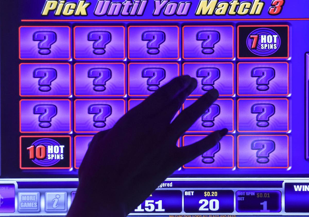 Video gambling is played at Feeling Lucky Lounge and Package in Decatur. It is one of 26,589 machines in establishments statewide. (copy)