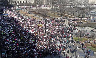 US-NEWS-CHICAGO-WOMENSMARCH-TB