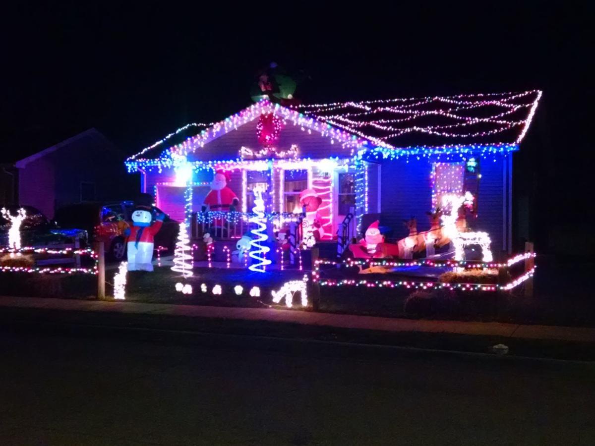 Bloomington Il Christmas Parade 2021 We Re Checking This List Hometown Holidays Calendar Calendar News Herald Review Com
