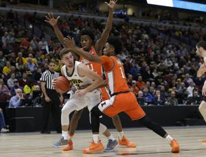 Ayo Dosunmu returning for his sophomore season is Illinois' biggest win of the year