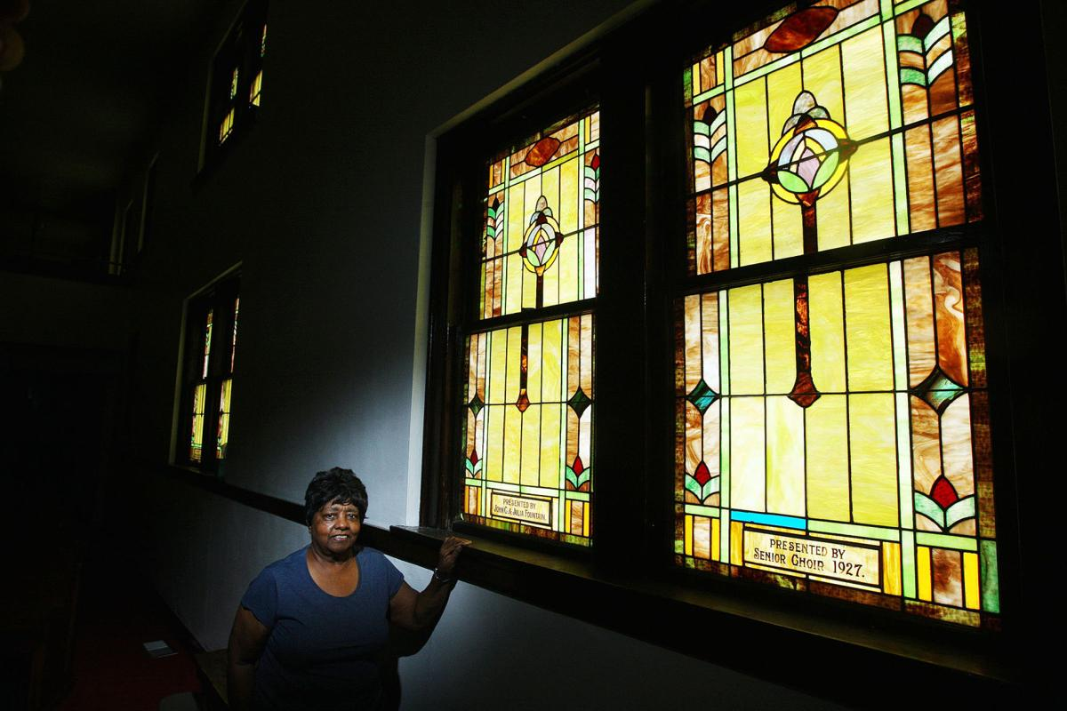 How these Decatur church windows tell the story of faith, one piece ...