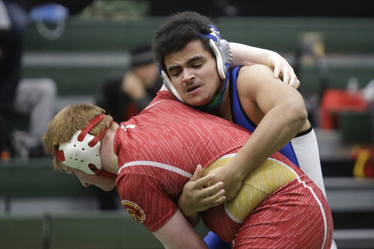 GALERY-2A-wrestling-regional-036-020920.JPG