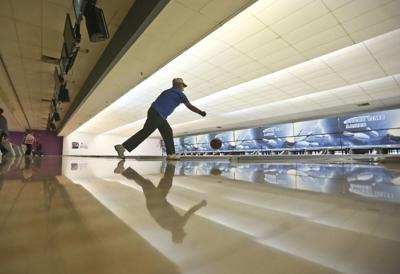Bowling in Decatur rolls along despite loss of bowlers, alleys