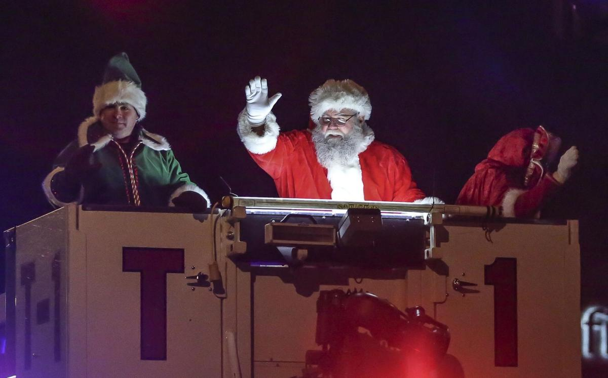 Decatur Christmas Parade 2019 Santa Claus has come to town: Downtown Decatur site of winter