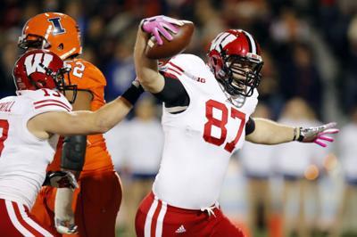 dedfb17f7 Illinois-Wisconsin. Wisconsin defensive end Ethan Hemer ...