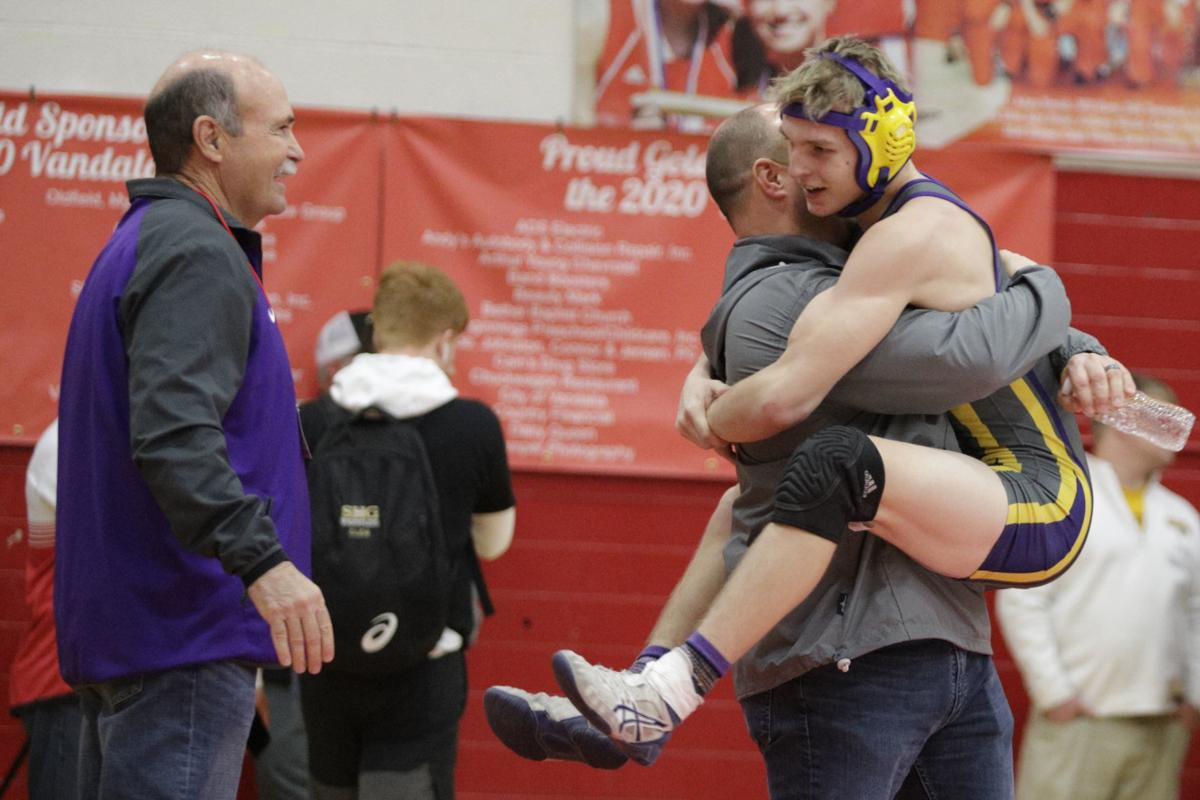 GALLERY-1A-wrestling-sectionals-004-021620.JPG
