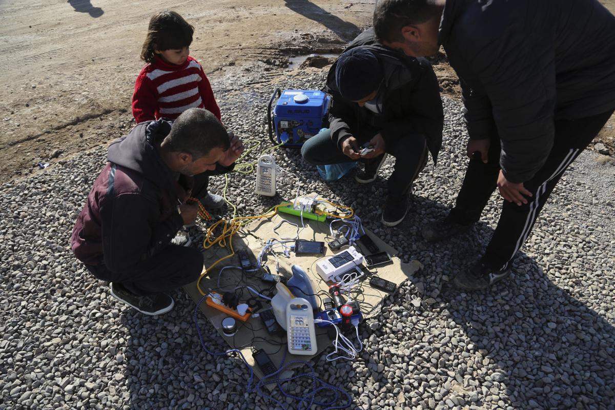 Iraq Mosul Phones
