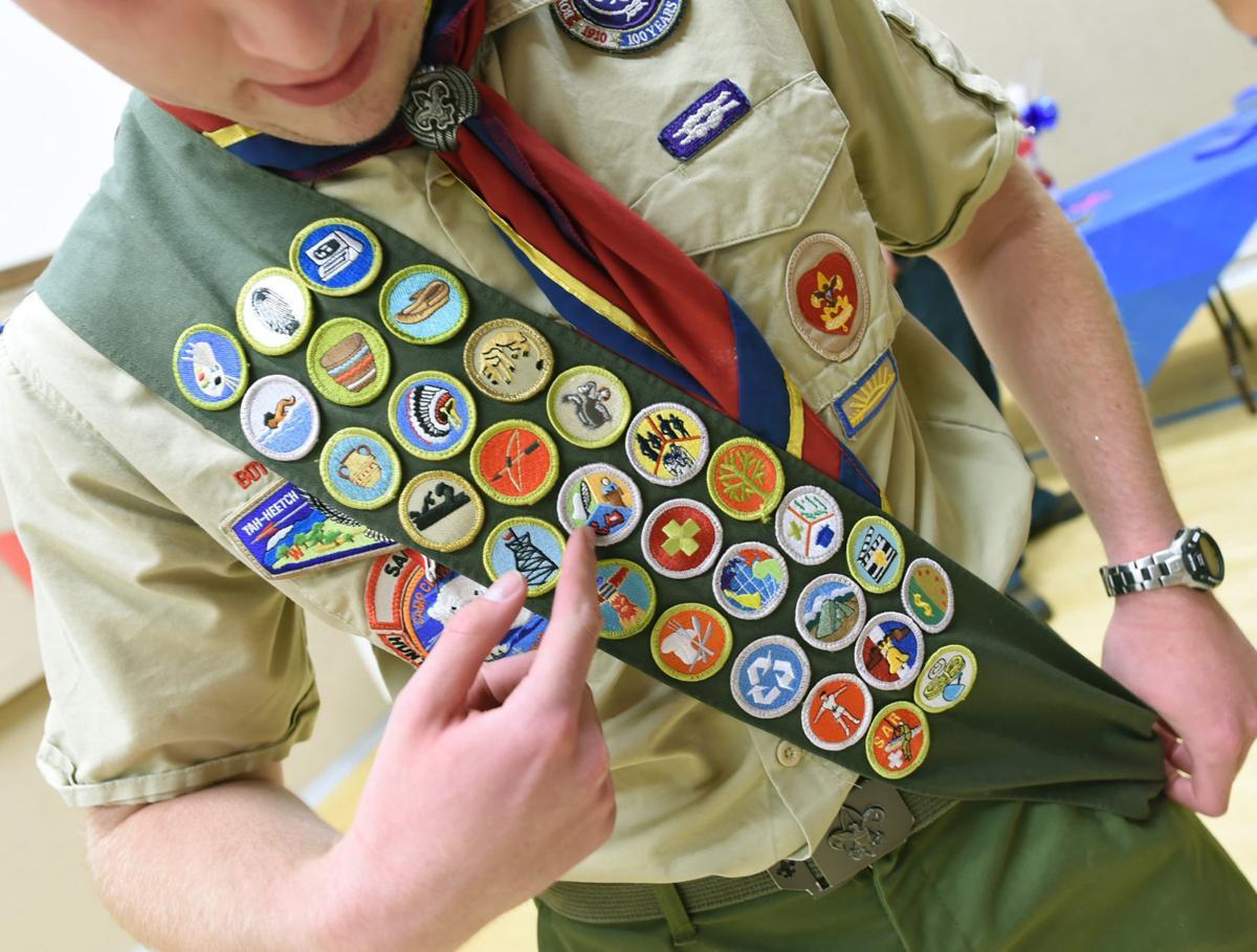 062916-dec-lif-scoutfamily