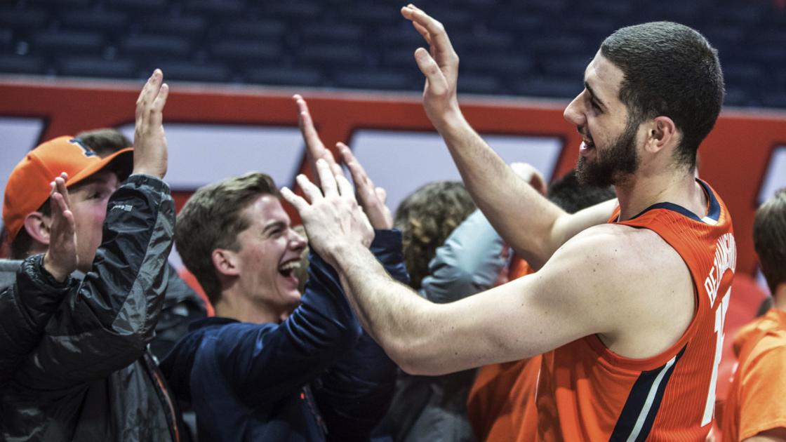 How a play by Giorgi Bezhanishvili in a win against No. 5 Michigan shows growth in Illinois basketball