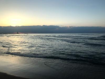 Man drowns after saving girlfriend in Lake Michigan