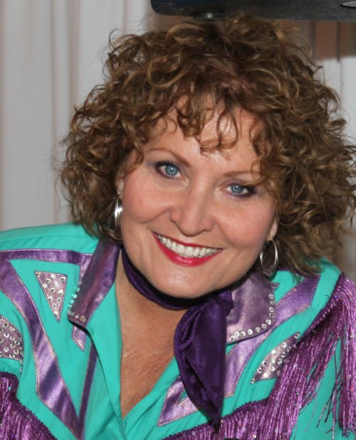 Patsy Cline Tribute Set For Illiopolis Local Entertainment