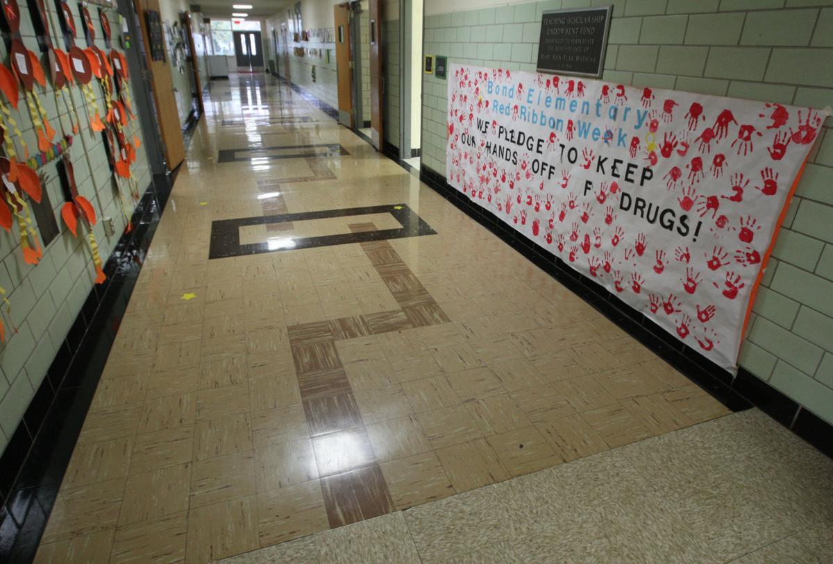 Bond Elementary hall way 11.17.17