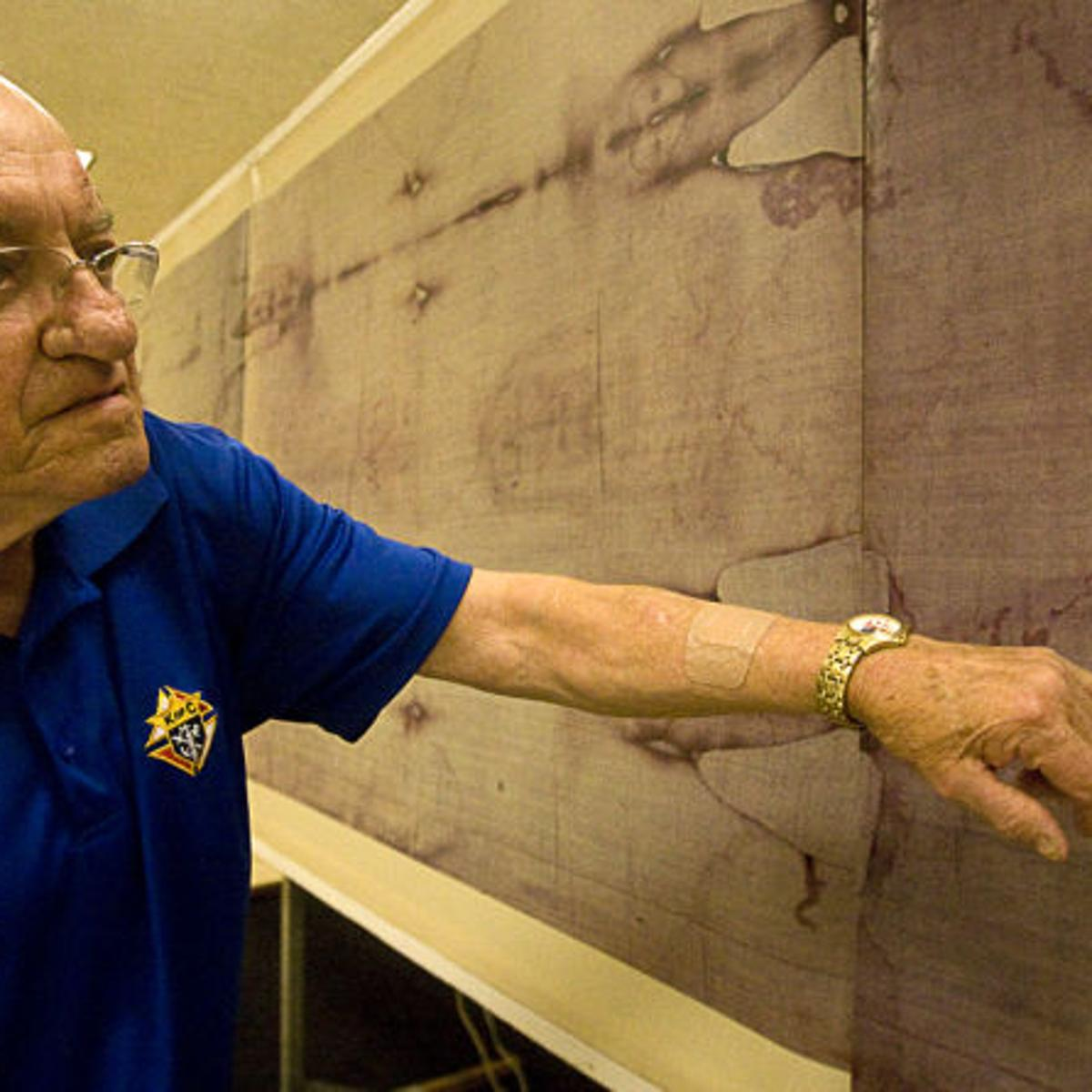 Decatur Knights of Columbus Hall hosts Shroud of Turin