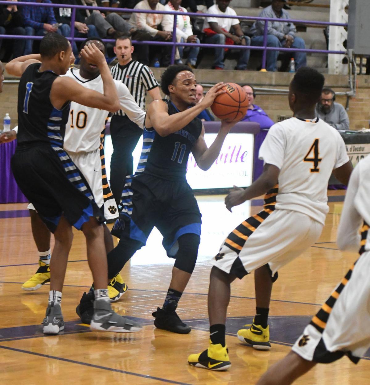 Eisenhower Macarthurt Boys Basketball 1111 03.01.17.JPG