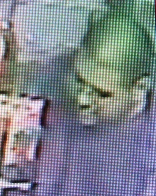 Smoke shop robbery suspect