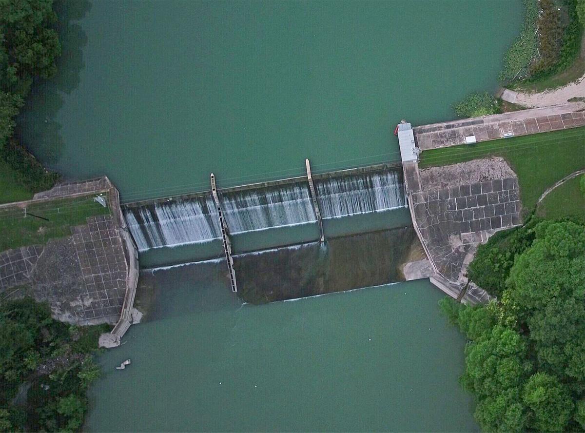 Lake Dunlap dam