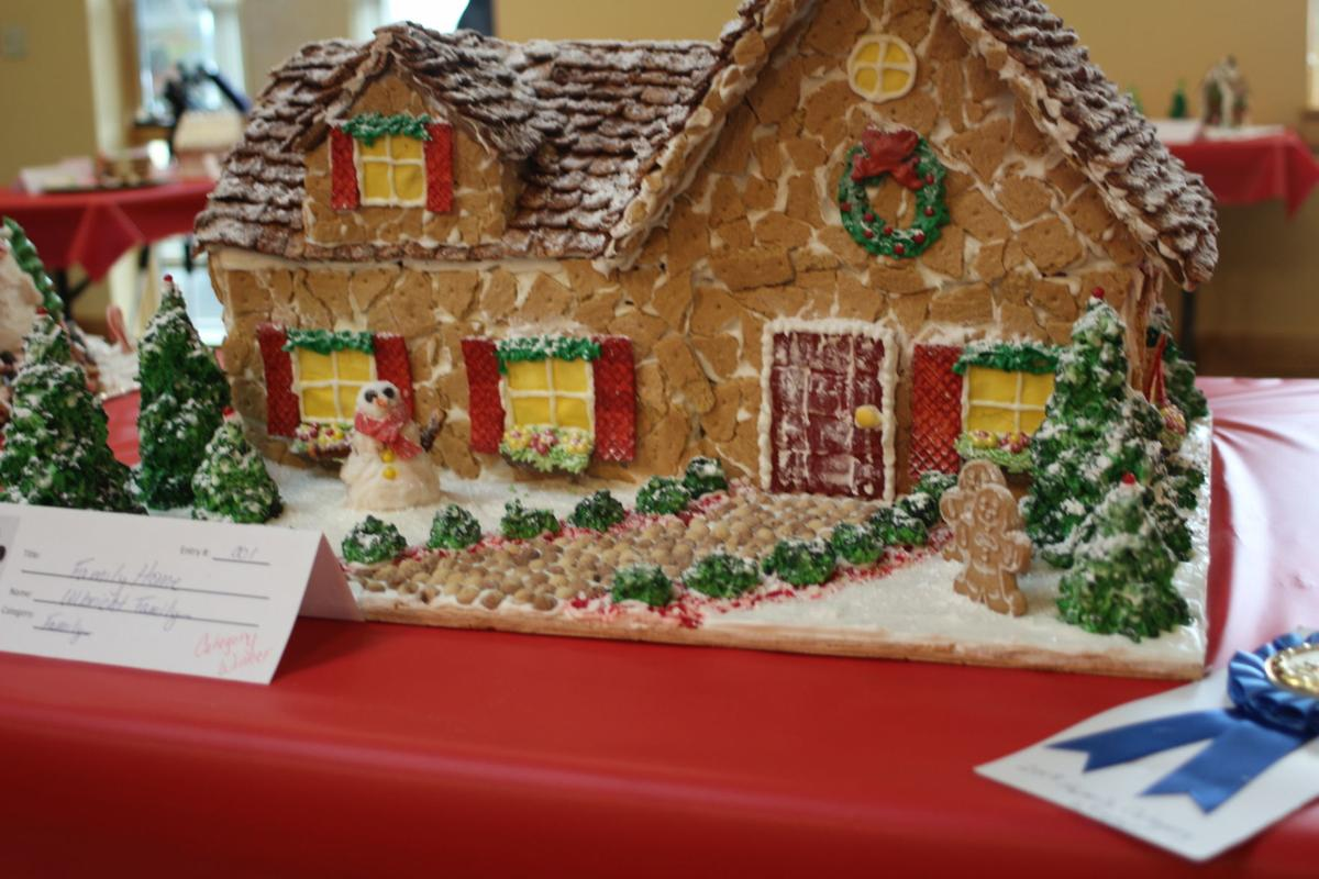 12-05 gingerbread house 2