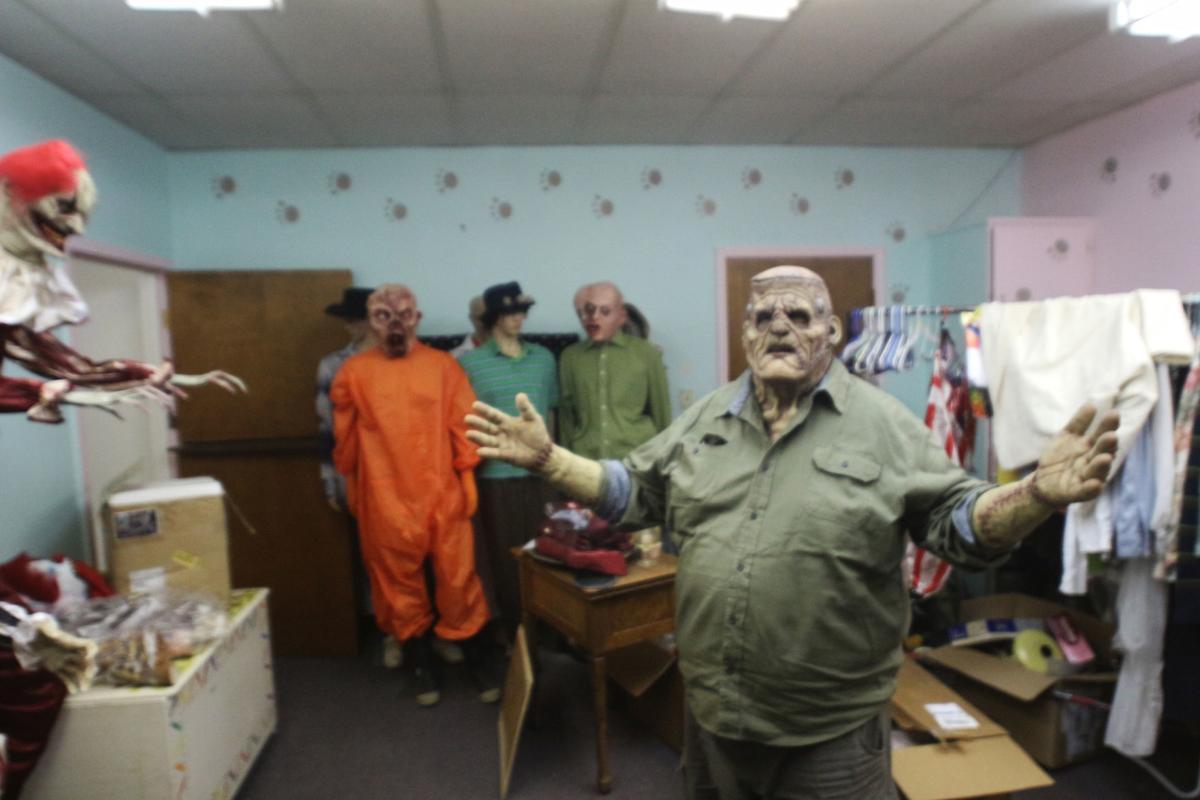 9-27 haunted house