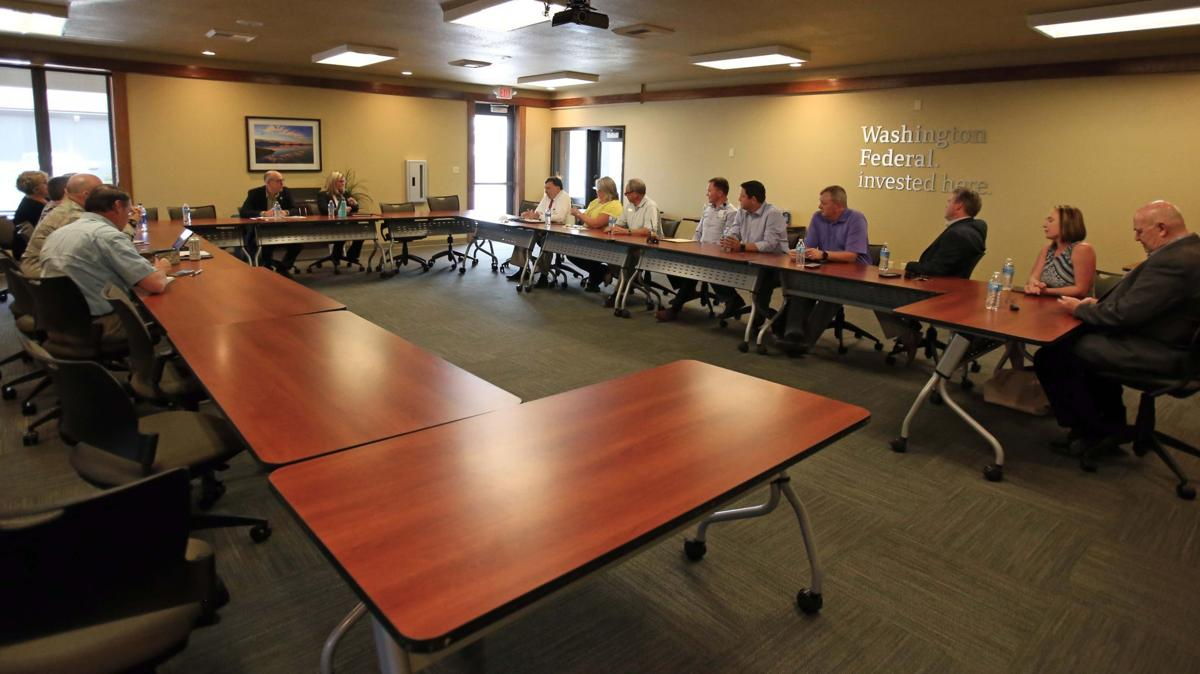 Rep. Walden meets with Chamber of Commerce