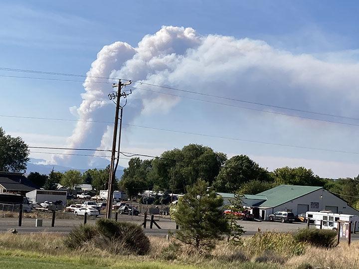 Cougar Peak Fire smoke column
