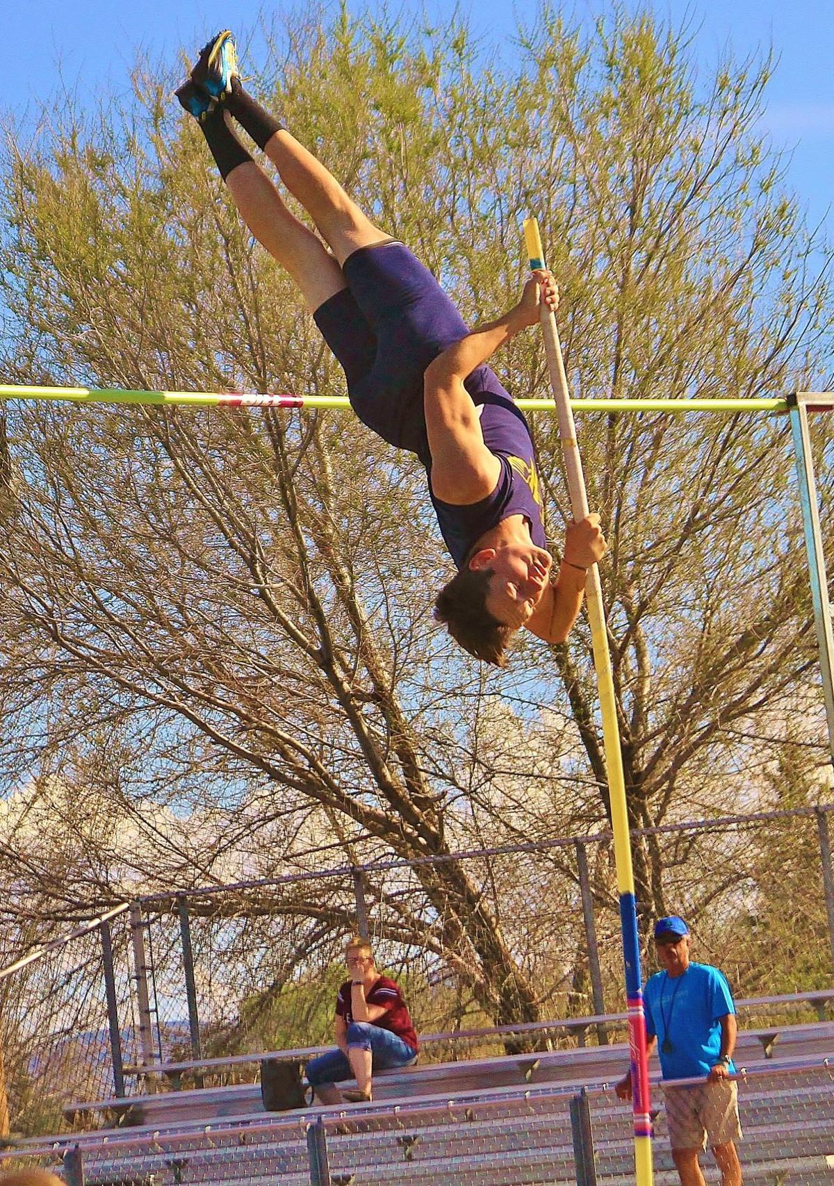 North Valley, Henley at Mazama track and field (10).JPG
