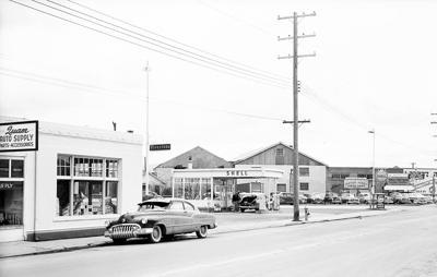Klamath history photo — Sixth and Commercial streets