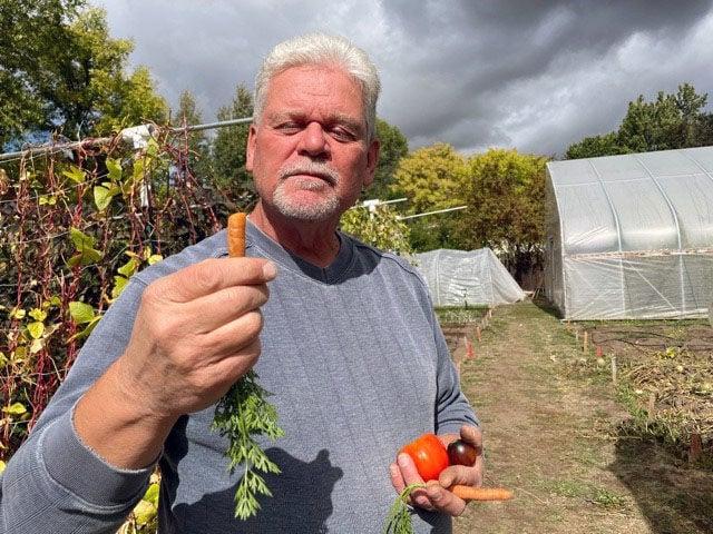 Kent crunching carrot