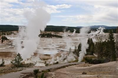Rangers end search for man's body in Yellowstone hot spring