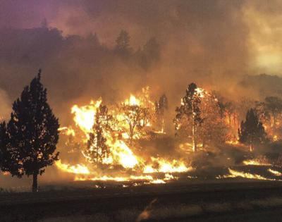 Klamathon Fire update; now at 35,250 acres, 30% contained, 81 ... on upper klamath lake, scott river, klamath national forest map, john c. boyle dam, tule lake, link river, lake county ca map, klamath county, lost river, sprague river, trinity alps, six rivers national forest, lava beds national monument, trinity river, williamson river, klamath county oregon map, klamath national forest, klamath glen, california, klamath mountains, lower klamath lake, shasta river, trinity lake,