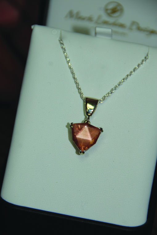 Sunstones have sparkling future in international sales for Klamath falls jewelry stores